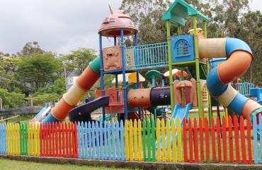 children play park